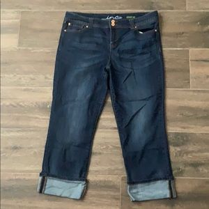 Like new INC a straight leg cropped jeans 16
